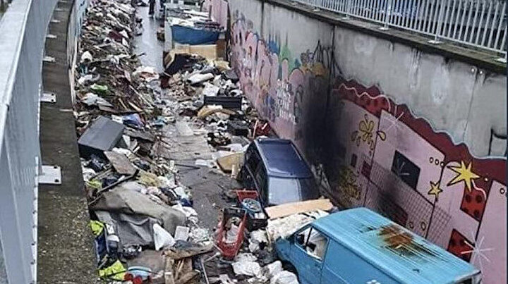 Paris çöp içinde