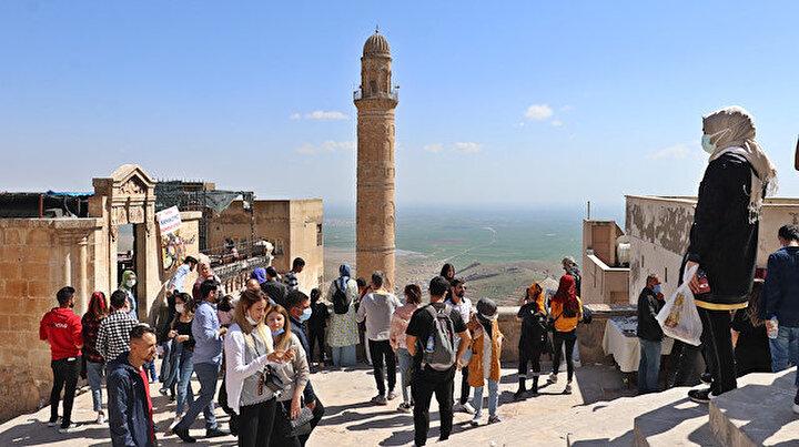 Mardinde kısıtlamasız hafta sonu: Tarihi mekanlar doldu esnafın yüzü güldü