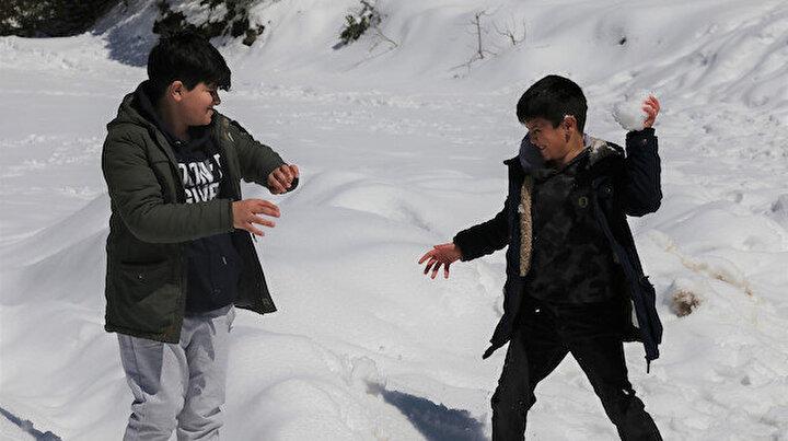 Bir kent iki mevsim: Merkezde bahar, dağlarda 90 santim kar