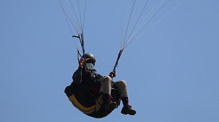 66 yaşındaki ihtiyar delikanlı: Yapamazsın dediler paraşütçü oldu