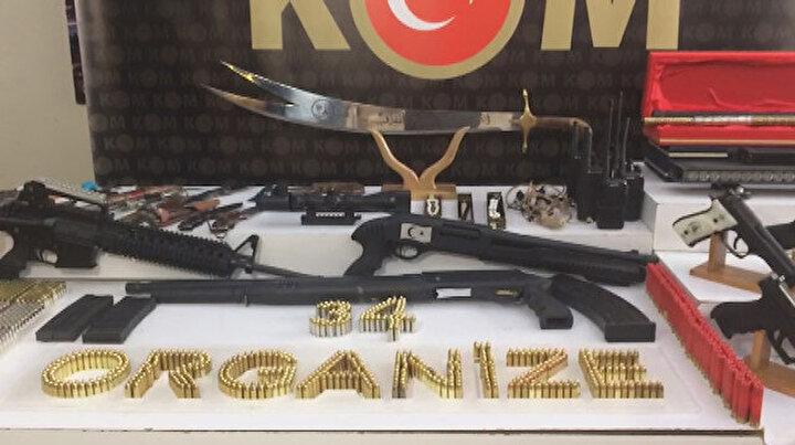 İstanbulda Sedat Peker operasyonu: İşte ele geçirilen silahlar