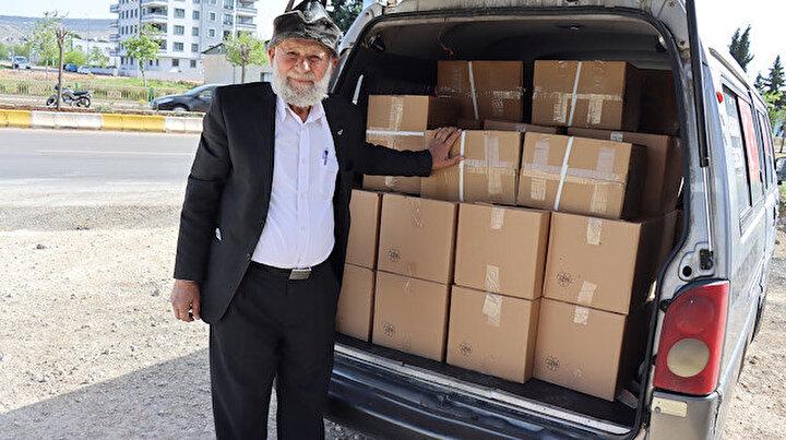 Elmacı dede şimdi de Suriyede:  Kardeşlerimize gıda paketlerini ikram edeceğiz