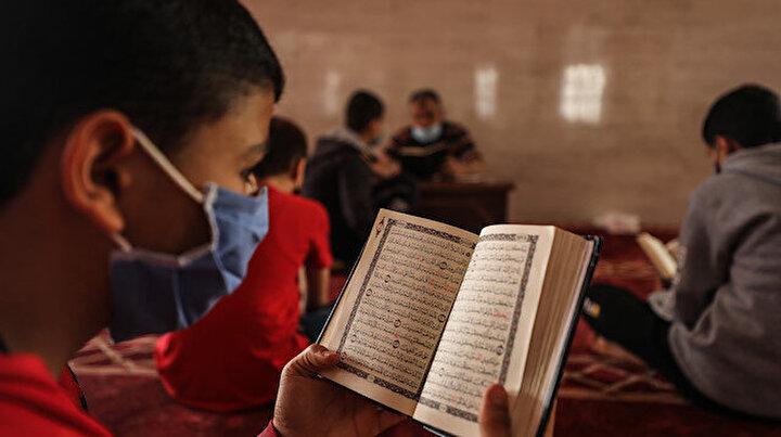 Gazzeli çocuklar ramazanı Kuran-ı Kerim okuyup ezberleyerek geçiriyor
