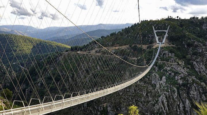 Buradan geçmek cesaret ister: Dünyanın en uzun yaya asma köprüsü 516 Arouca Portekizde açıldı