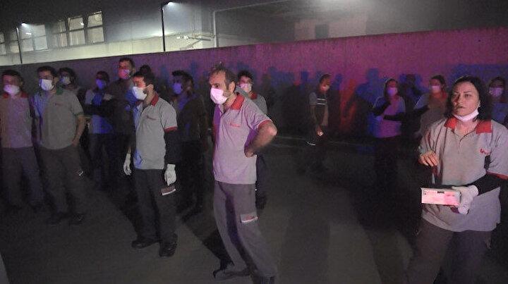 Bursa'da kauçuk fabrikasında korkutan yangın: Altı işçi hastaneye kaldırıldı