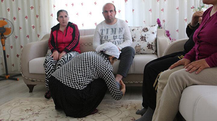 45 yıldır dört engelli çocuğuna bakıyor