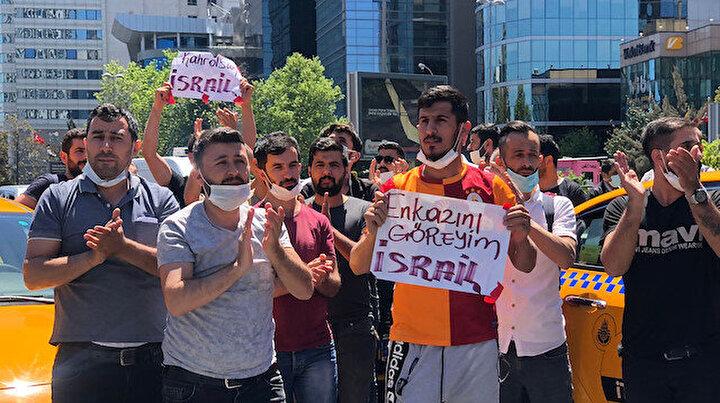 İsrail Konsolosluğu önünde toplanan taksicilerden protesto