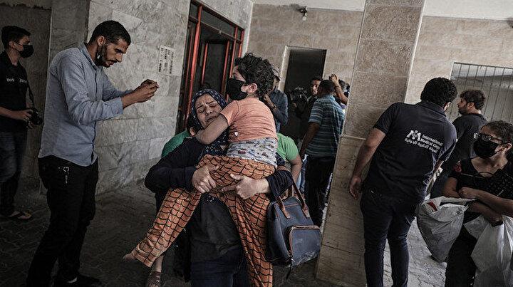 İşgalci İsrail kana doymuyor: Abluka altındaki Gazzeye bomba yağdırdı