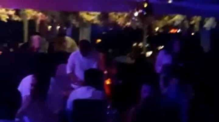 Kısıtlamada otel terasında doğum günü partisine baskın: Ceza yağdı