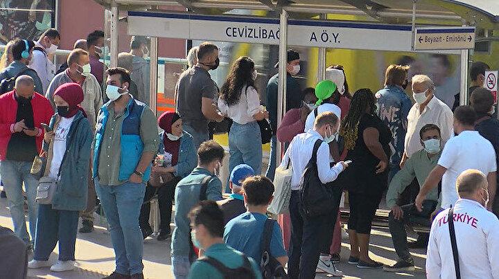 Her gün aynı manzara: Cevizlibağda toplu taşımada yoğunluk isyanı