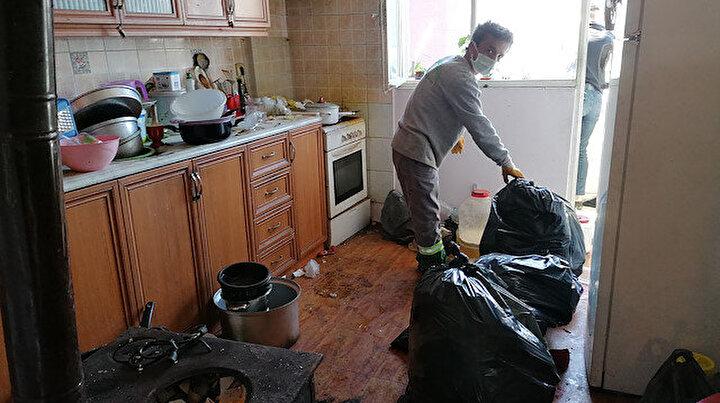Apartmandan kötü kokular gelince ihbarda bulundular: Eve giren ekipler şaşkına döndü