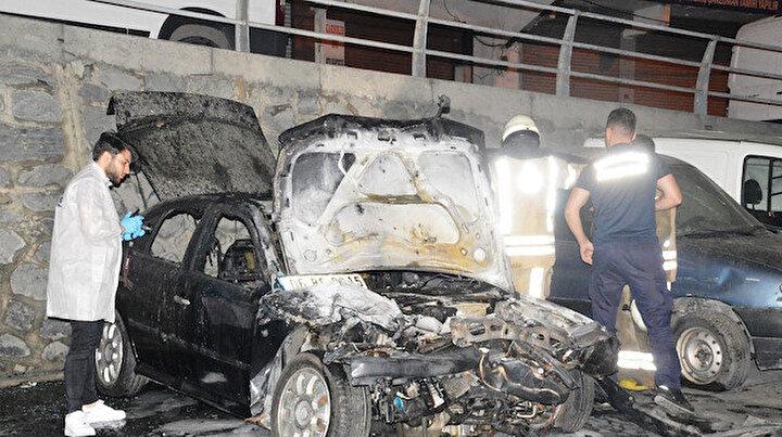 Şişlide kundaklama şüphesi: Dört otomobil alev alev yandı