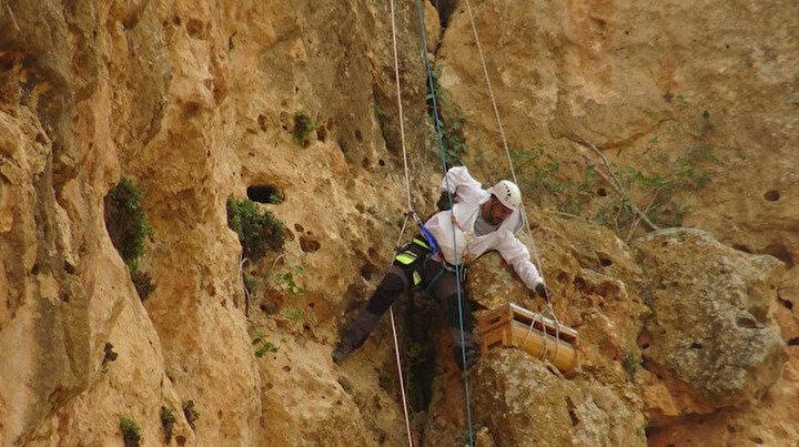 Dağın zirvesindeki hobisini kazanca dönüştürdü: Tek başına dağların zirvesine çıkarak kazanıyor