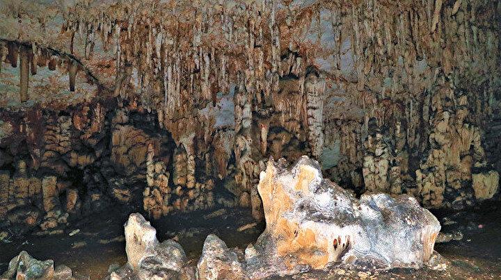 Diyarbakırdaki gizemli mağara definecilerin talanına uğradı