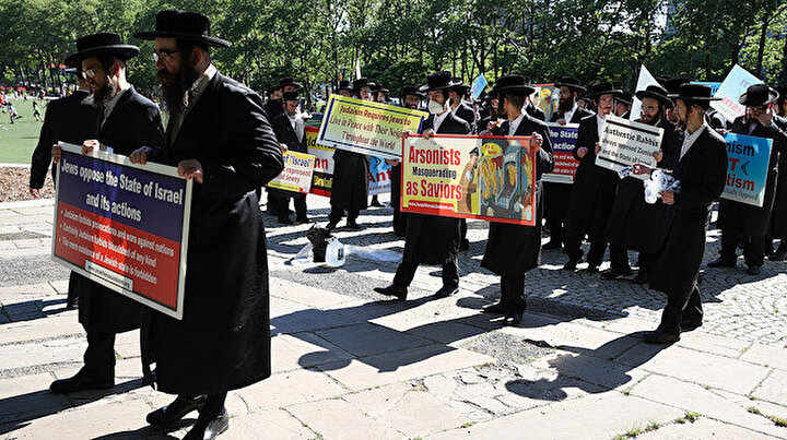 New Yorktaki Ortodoks Yahudileri İsrail karşıtı gösteri düzenledi