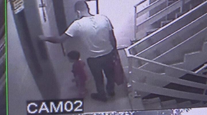 Asansörde sıkışarak hayatını kaybetti: Minik Eren'in cenazesini babası taşıdı