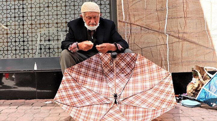 92'lik şemsiye tamircisi: 57 yıldır bu işi yapıyor