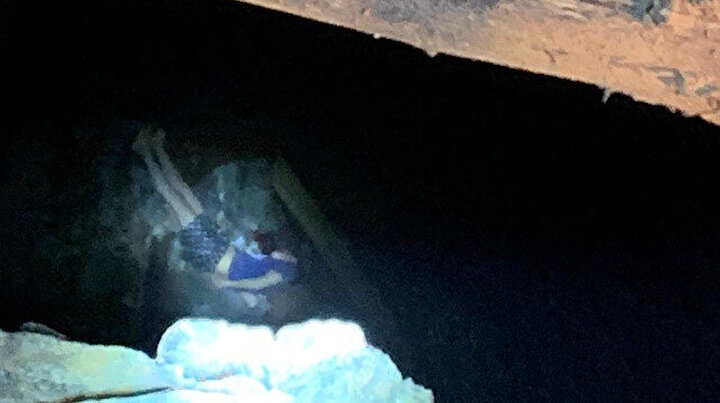 Fethiyede 40 metrelik maden ocağı kuyusuna düşen genç yaralandı