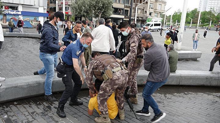 Taksim Meydanında kemerli kavga: Özel Harekat müdahale etti