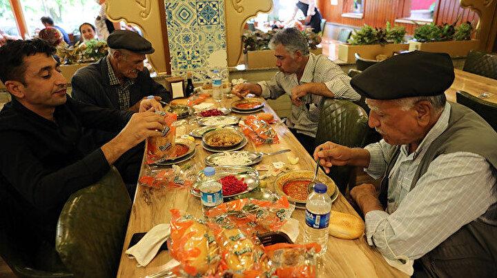 Yasaklar kalktı Gaziantepliler oraya koştu: Restoranlarda beyran yoğunluğu