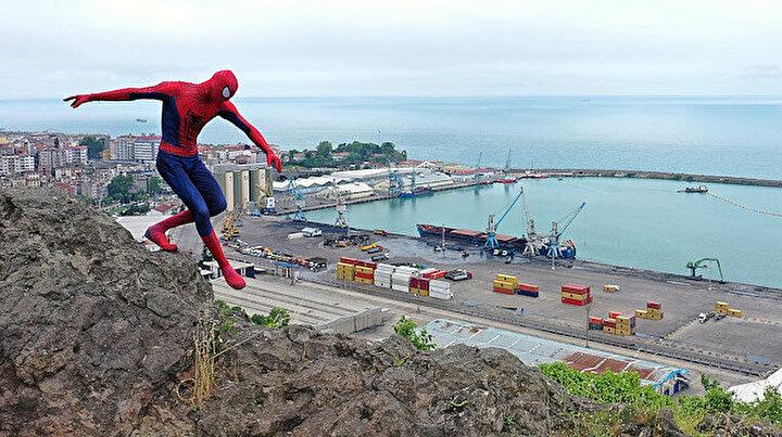 Antalyanın Örümcek Adamı tatilini memleketinde geçiriyor: Büyük ilgiyle karşılandı