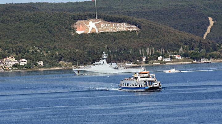 İngiliz savaş gemisi Çanakkale Boğazından geçti