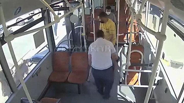 Günün kahramanı: Otobüs şoförü bayılan hastayı hastaneye götürdü elleriyle sedyeye taşıdı