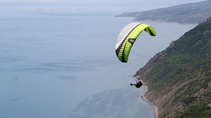Adrenalin tutkunlarının uğrak yeri Uçmakdere: Salgının stresini gökyüzünde atıyorlar