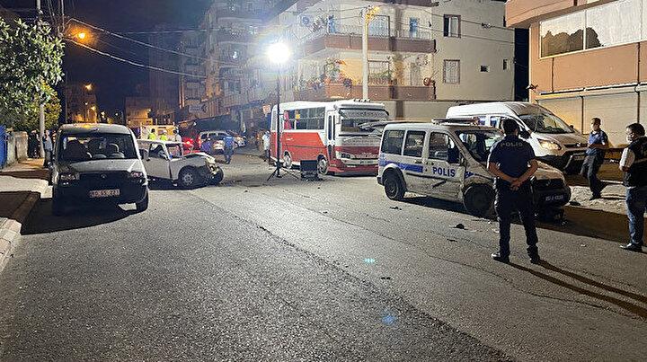 Osmaniyede gasp dehşeti: Dört araca çarptı beş kişiyi yaraladı