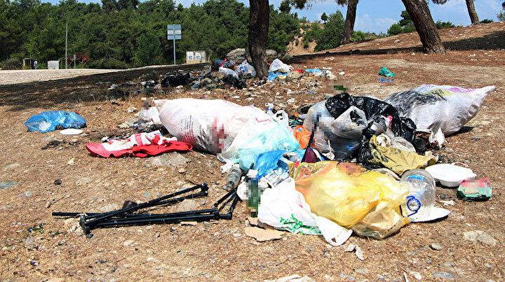 Adanada mesire alanları piknikçilerin çöpleriyle doldu