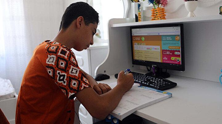 350 çocuğun kendilerine ait oda ve bilgisayar hayali gerçek oldu: Odam olduğu için çok mutluyum