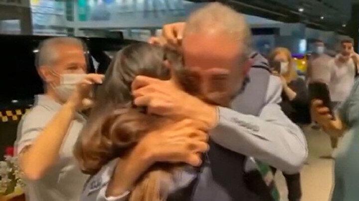 Esedin ayırdığı Suriyeli baba kız 12 sene sonra İstanbulda buluştu: Gözyaşları sel oldu