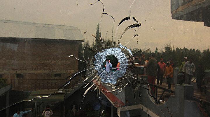 Keşmir'de silahlı çatışma: Dört kişi öldürüldü