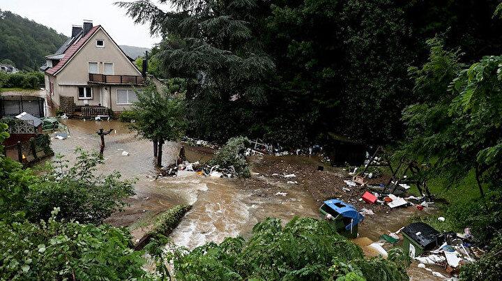 Almanya su altında kaldı: Şiddetli yağış ve fırtına hayatı olumsuz etkiledi