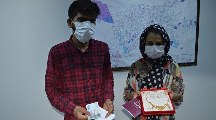 Adıyamanda yeni evli çiftin düğün takılarını polis buldu: 50 bin lira değerindeydi