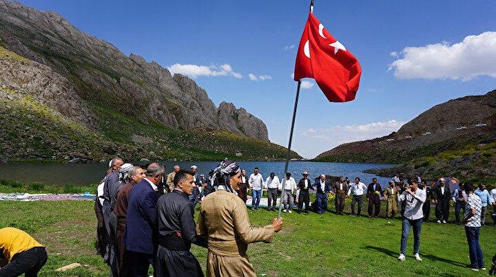 Terörden arındırılan yaylada 40 yıl sonra Türk bayrağıyla halay çektiler: Burası artık huzur ve güven yeri