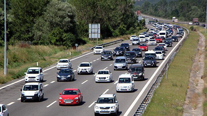 Trafik durma noktasına geldi: TEMin Bolu geçişinde yoğunluk