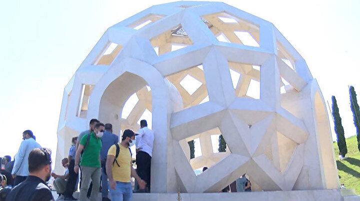 15 Temmuz Şehitler Anıtına ziyaretçi akını