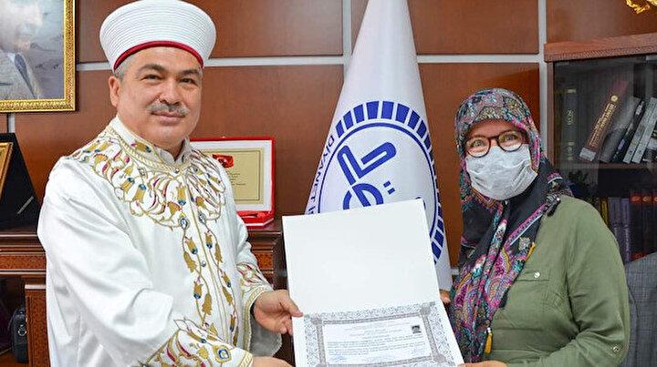 Hollandalı tiyatro yönetmeni tatil için geldiği Nevşehir'de müslüman oldu