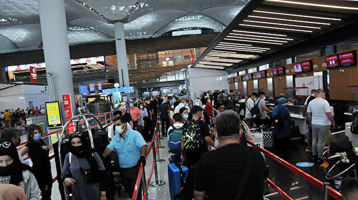 İstanbul Havalimanında bayram öncesi yoğunluk: İki günde 2 bin 122 uçuş yapıldı
