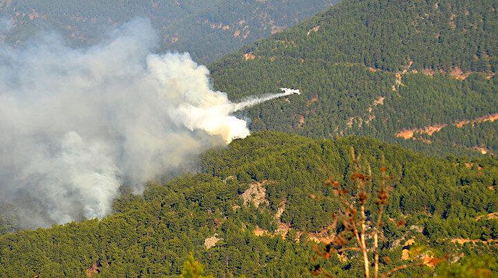 Üç gündür yanıyor: Mersindeki orman yangınına havadan ve karadan müdahale ediliyor