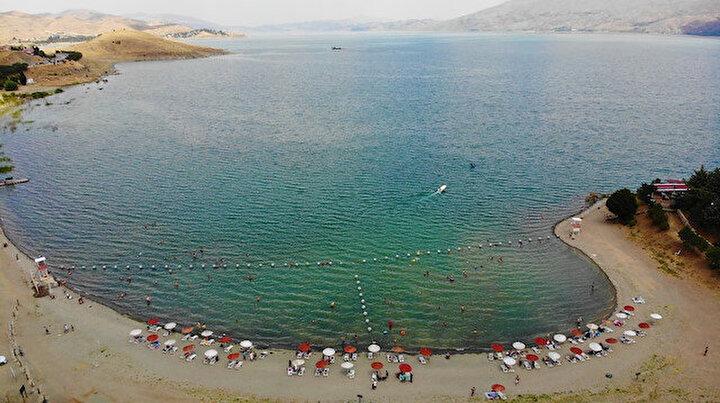Ege ve Akdeniz sahillerini aratmayan Hazar Gölüne akın