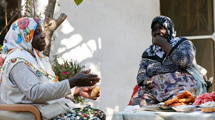 Kökenleri Afrikadan şiveleri Egeden: ABDli tarihçi İzmirdeki Afro-Türkleri dünyaya tanıtacak