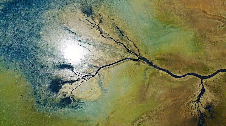 Manzaranın güzelliğine aldanmayın deyip uyardı: Kuruyan Düden Gölünün can damarları göründü