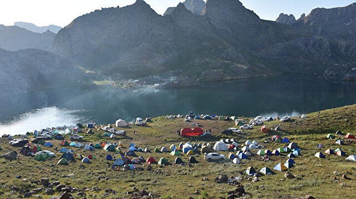 Terör yok huzur var:  Mehmetçik'in PKK'dan arındırdığı Cilo Dağı kampçıların akınına uğruyor