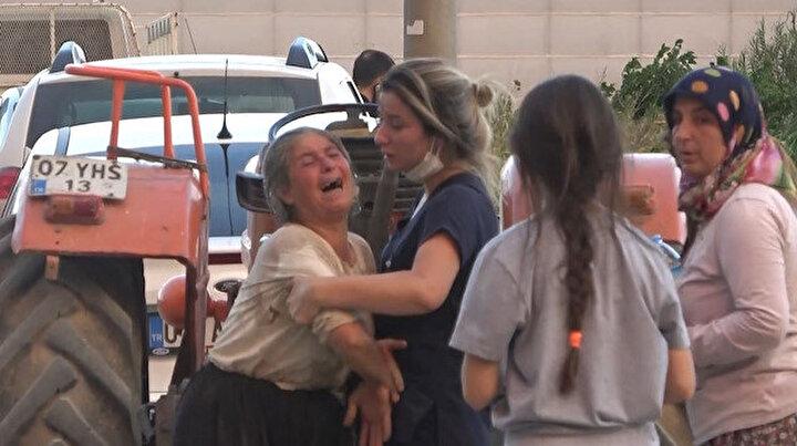 Manavgatta seraları ve ağaçları yanan kadınlar gözyaşlarına boğuldu: Yakınları sakinleştirdi