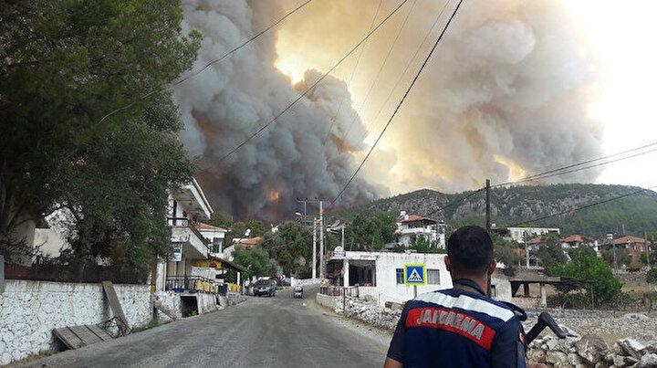 Milas'ta alevler yerleşim bölgesine ulaştı: Gökbel köyü boşaltıldı