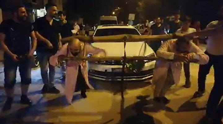 Damada görülmemiş eziyet: Boyunduruk takıp araç çektirdiler