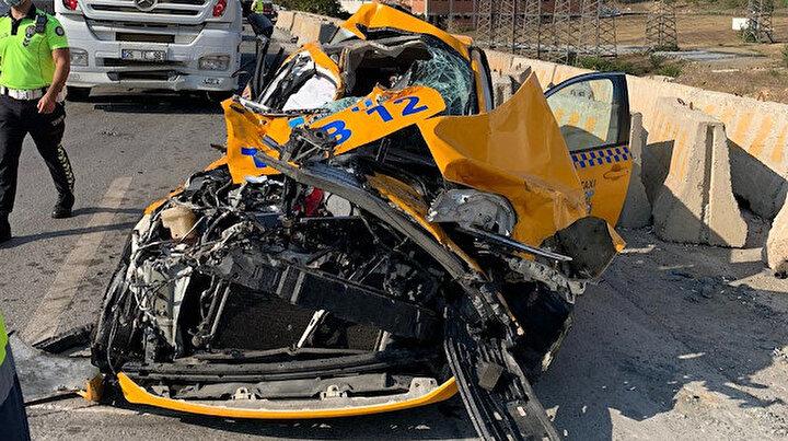 Pendik'te feci kaza: İki TIR ile 2 otomobil birbirine girdi! Biri ağır 2 kişi yaralı