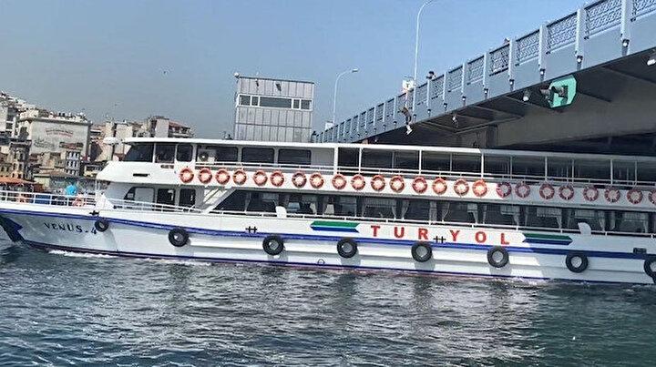 Yürekleri ağza getiren anlar: Galata Köprüsü'nden geminin üstüne atladı